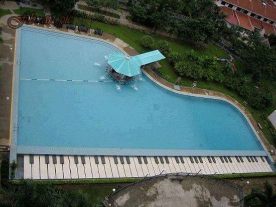 PISCINA_PIANO