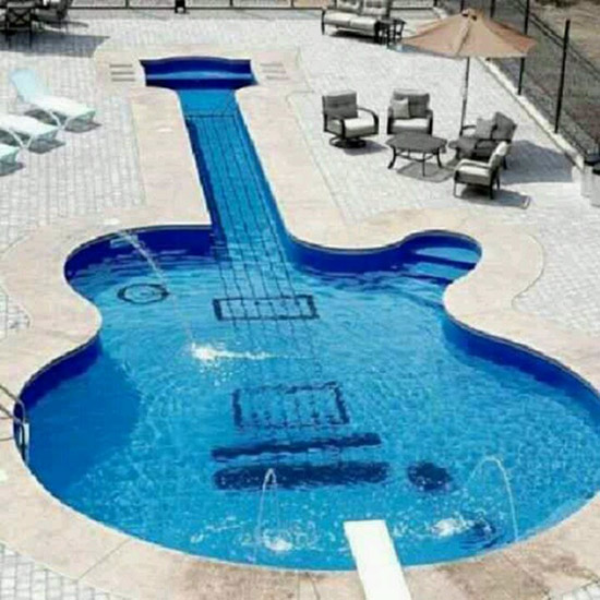 PISCINA_GUITARRA